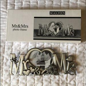Mr. & Mrs. Metal Frame